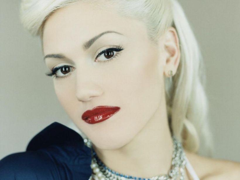 That signature red lipstick.